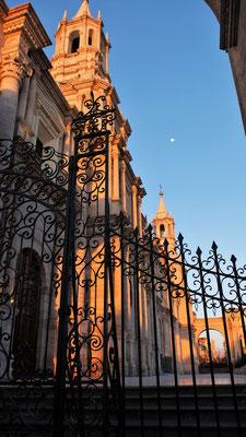 Die Kathedrale am Plaza de Armas immer wieder eine Augenweide