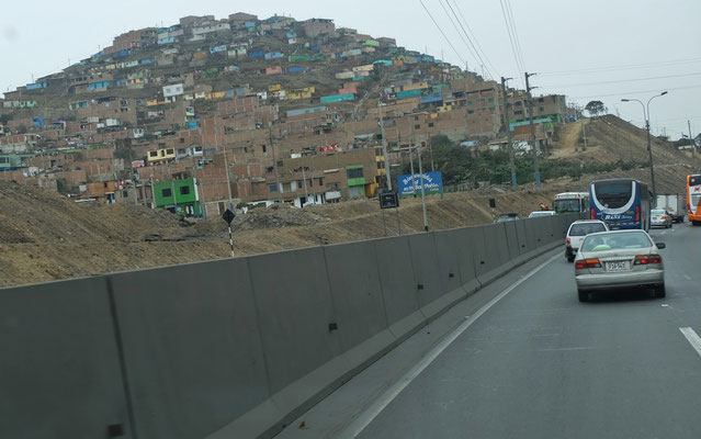 .... der 10 Mio Stadt Lima.