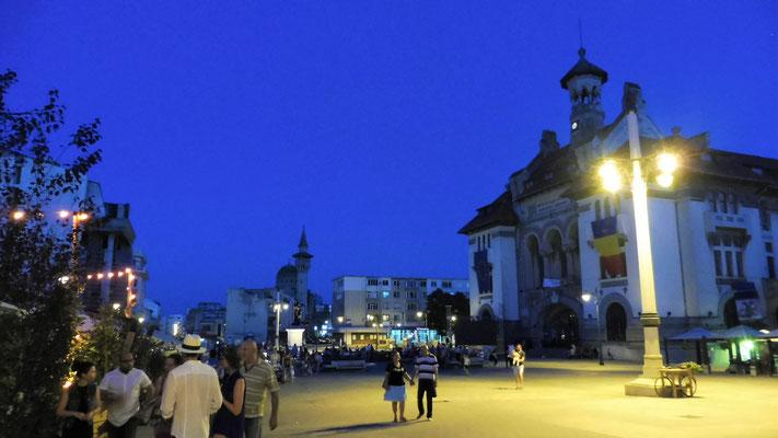 Die Altstadt von Constanta bei Nacht.
