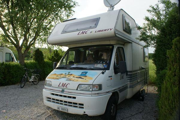 Unsere grosszügige Parzelle auf dem Campingplatz Fiesta