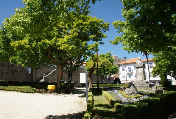 Kleiner Park im Zentrum von Guarda