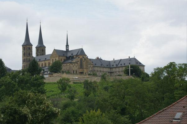Blick auf das Kloster Michaelsberg