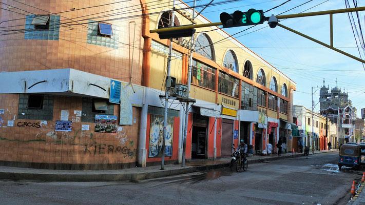 Die Markthalle von Tupiza öffnet langsam ihre Tore