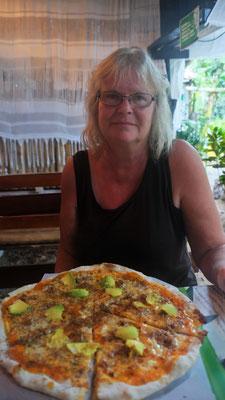 ... wo wir uns einmal mehr eine feine Pizza genehmigen.