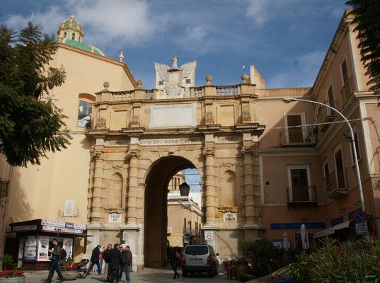 Eines der Tore zur Altstadt von Marsala