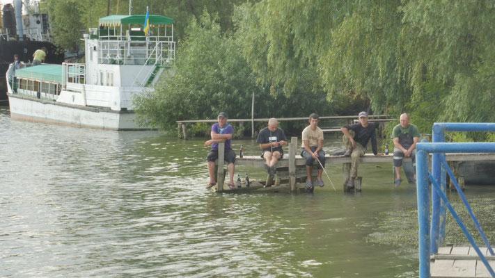 Sehr beschaulich die Fischer im ukrainischen Donaudelta