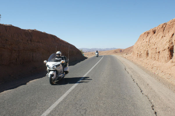 Eine Gruppe Goldwingfahrer erinnert uns an frühere Reisen