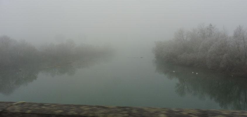 Zuerst Nebel ohne Ende. Doubs bei Dole