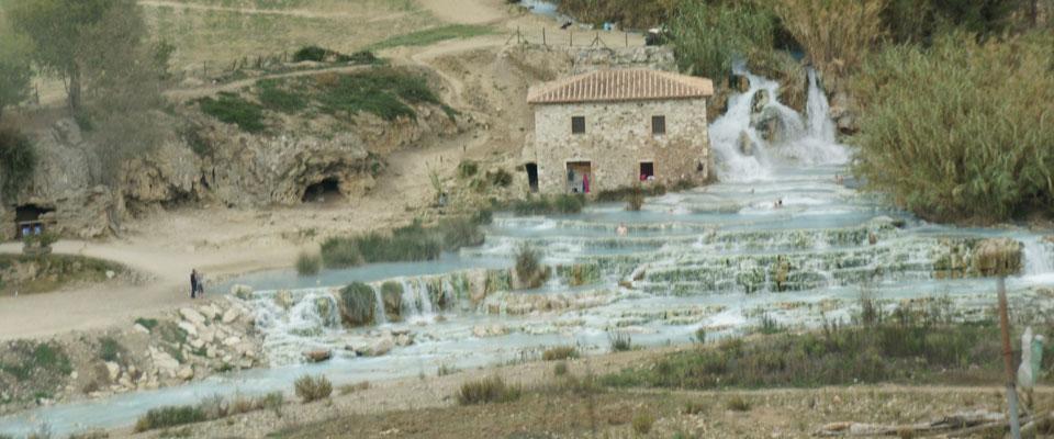 Saturnia das Kleinpumakale in Italien