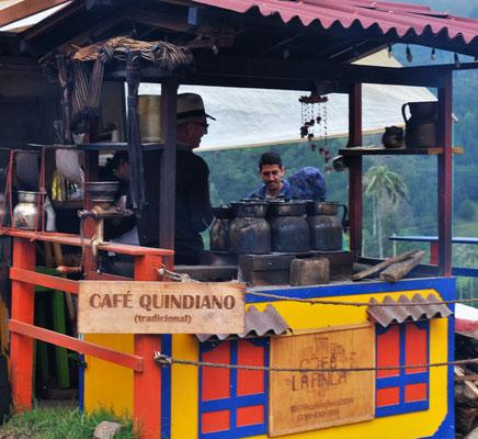 Einen traditionellen Kaffee verschmähen wir.