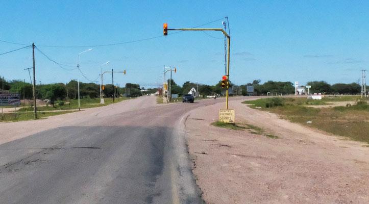 In Quimill werden wir darauf aufmerksam gemacht, dass die Strasse weiter vorne gesperrt ist, aber....