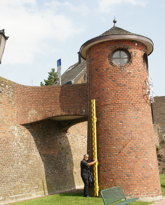 Der Pegelturm. Höchststand war im Jahr 1926