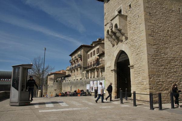 Hier geht es rein ins historische San Marino