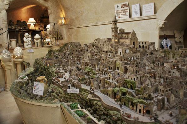 Der Künstler hat in drei Jahren aus Tuffstein Matera erschaffen