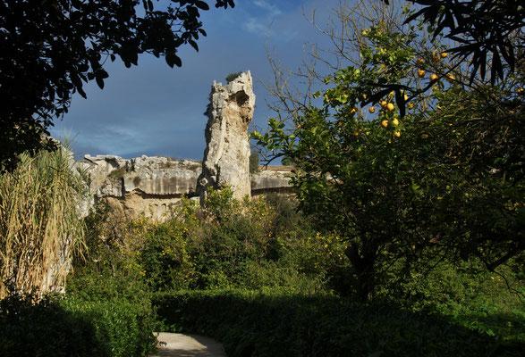Die letzte Stützmauer des alten Steinbruchs