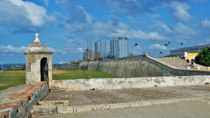 Der Stadtwall von Cartagena...