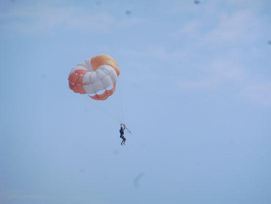Da fliegt er dahin in Kurortne/ Ukraine