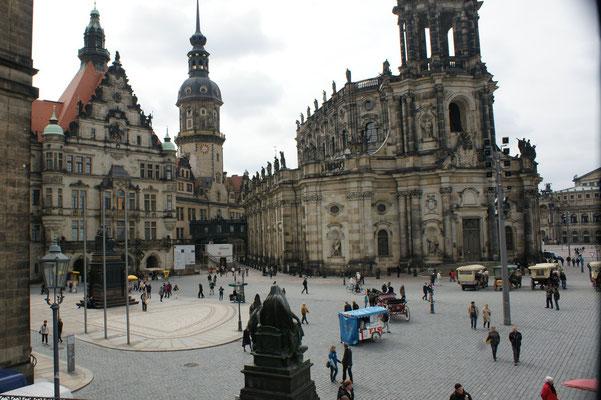 Schlossplatz mit Schloss