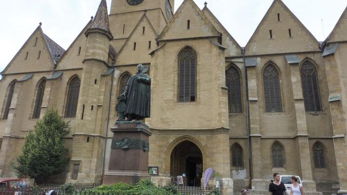 Die bombastische evangelische Kirche