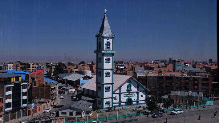 30 gleiche Kirchen gibt es auf dem El Alto
