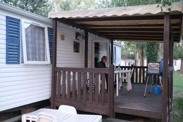 Unsere Unterkunft auf dem Campingplatz. A....kalt während den Nächten