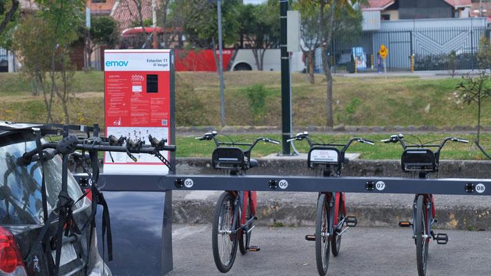 Ueberall können Fahrräder gemietet werden