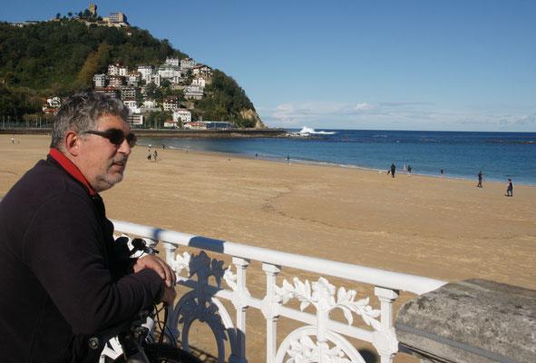 Am langen Strand von San Sebastian