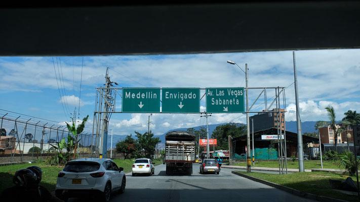 Nach 5 Stunden erreichen wir schliesslich Medellin