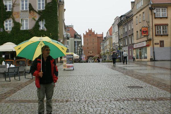 Mit Schirm, Charme und ohne Melone