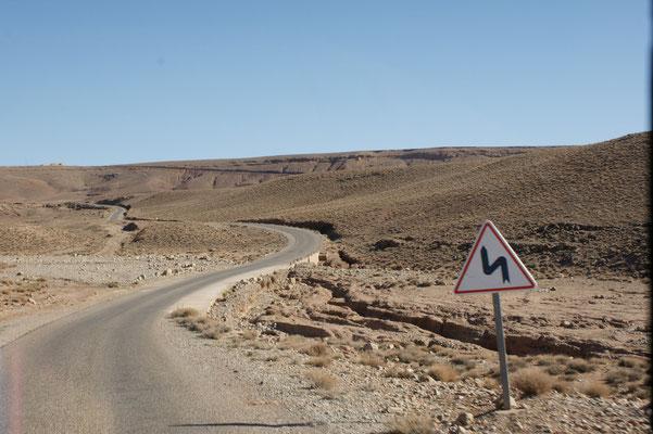 Weiterfahrt auf der Strasse nach Guelmima