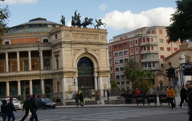 Interesannte Gebäude in Palermo