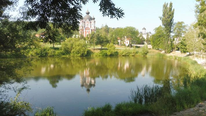 Morgenstimmung beim Kloster Churchi