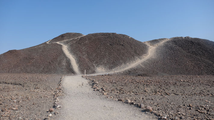 .... erklimmen den Hügel.....