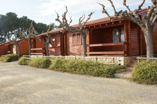 Auch auf dem Camping in Cambrils Holzhäusschen