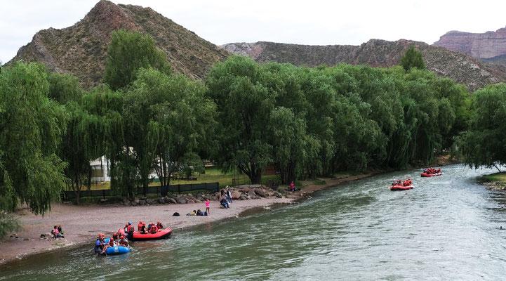 Hier wird der Grande Canon von Touristen belebt.