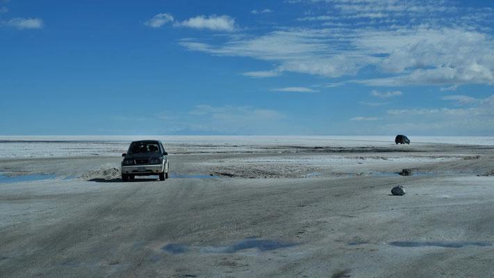 Wir fahren raus auf dem Salzsee....