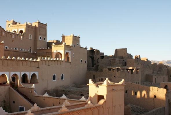 Noch bewohnter Teil der Kasbah, dahinter verfallener Teil