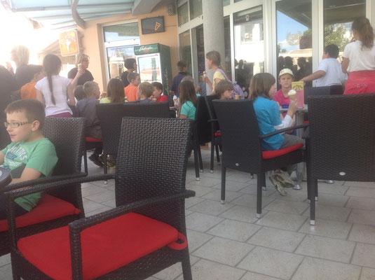 in Ljutomer. Wie überall, Kinder lieben Eis......