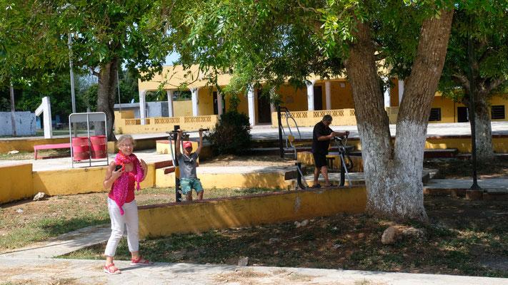 Auch Spiel-, und Sportplätze finden sich in den kleinsten Dörfern.