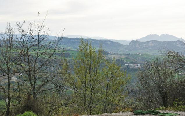 Hier stehen wir nun für die Nacht mit Blick über den Apennin