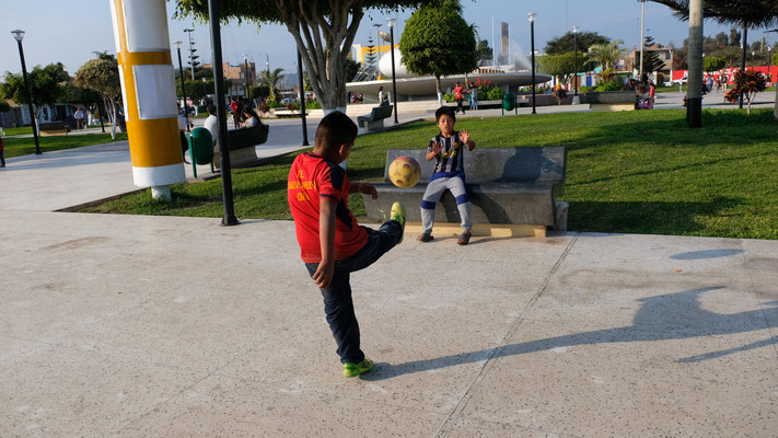 Vor unserer Haustüre wird Fussball gespielt