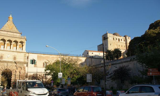 Das Castello von der einen Seite.
