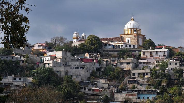 Die Kirche auf dem Hügel