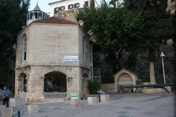 Kleine Moschee im Hafen