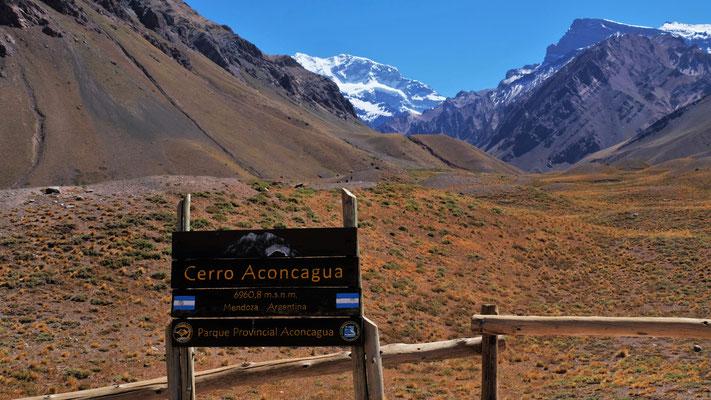 blick auf den höchsten Berg Südamerikas, der Aconcagua 6959 m.