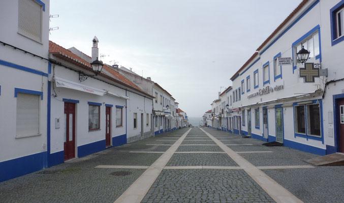 Die Fussgängerzone von Porto Covo