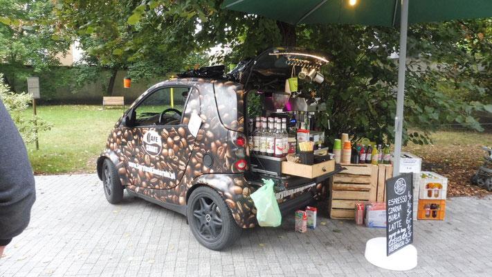 smarter Kaffee beim Strassenfest