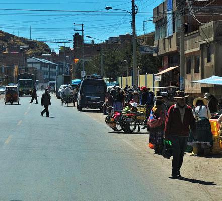 Dann rein nach Desaguadero in Peru