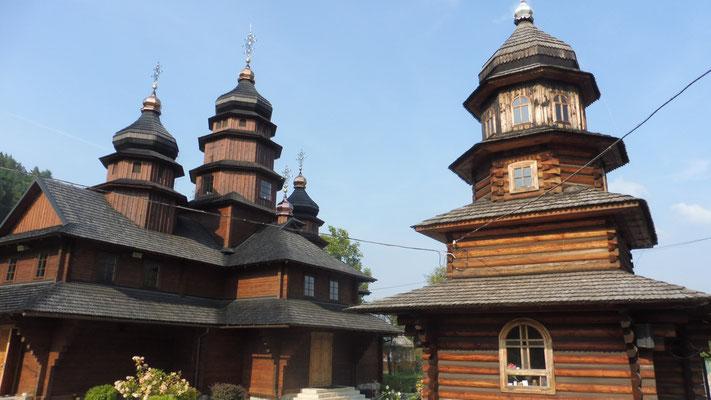 die richtige Kirche in Jaremtsche, der heimlichen Hauptstadt der Huzulen
