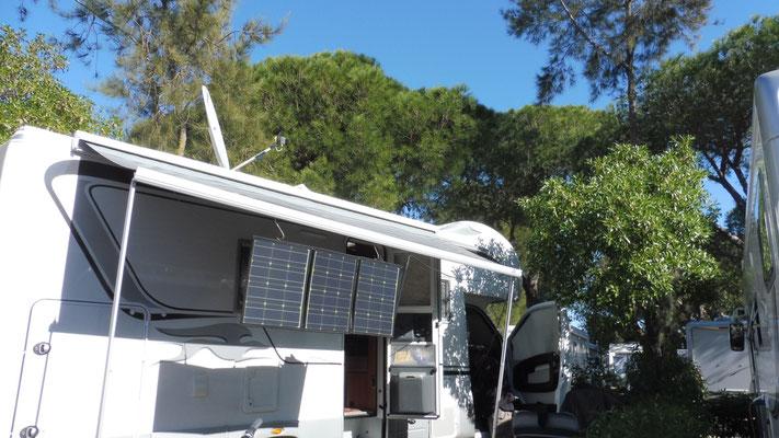 Wir stehen auf dem Campingplatz in Olhao, ganz ohne externen Strom